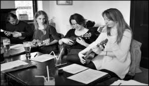 Learn To Uke 4 week advanced beginners ukulele course. © Tara Li-An Smith